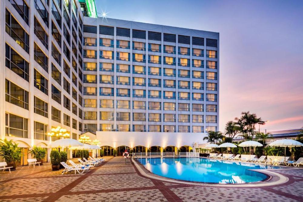 บรรยากาศภายในโรงแรม (ภาพจากโรงแรมบางกอกพาเลส)