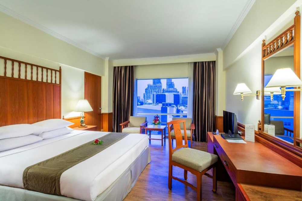 ห้องพักแบบ Superior (ภาพจากโรงแรมบางกอกพาเลส)