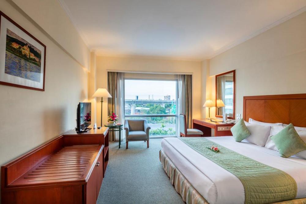 ห้องพักแบบ Deluxe (ภาพจากโรงแรมบางกอกพาเลส)