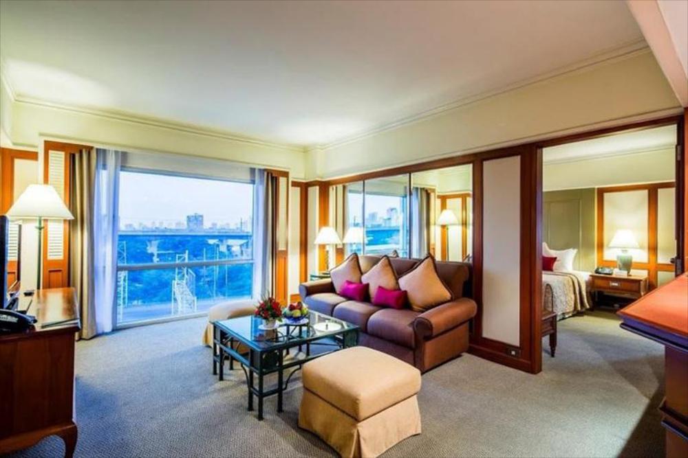 ห้องพักแบบ Junior Suite (ภาพจากโรงแรมบางกอกพาเลส)
