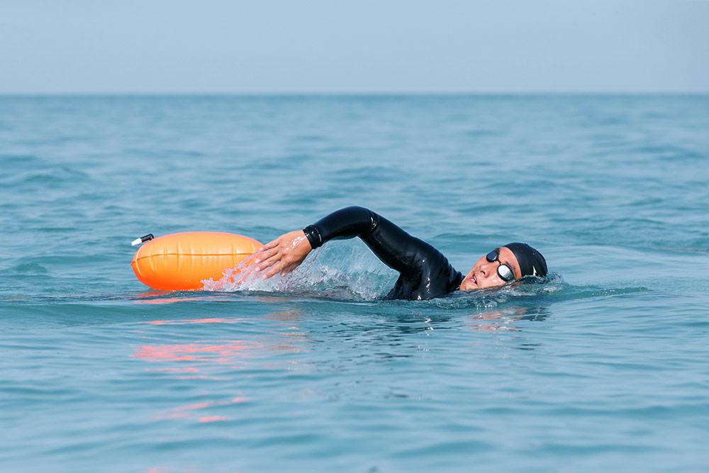 โตโน่-ภาคิน กับภารกิจว่ายน้ำพิชิต 12 เกาะ สุราษฎร์ – สมุย