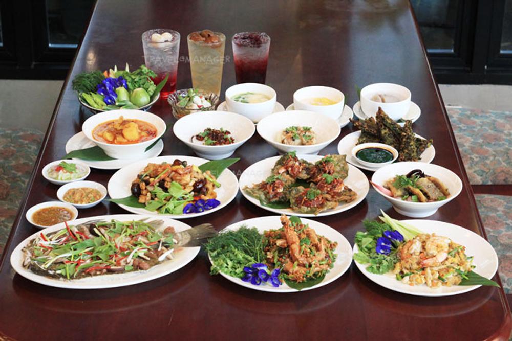 อาหารชวนกินที่ร้านส่งเสริมโภชนา