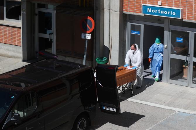 สลด!!ห้องฉุกเฉินในสเปนไม่พอรับผู้ป่วยโควิด-19 แพทย์ต้องเลือกให้ใครอยู่ใครตาย