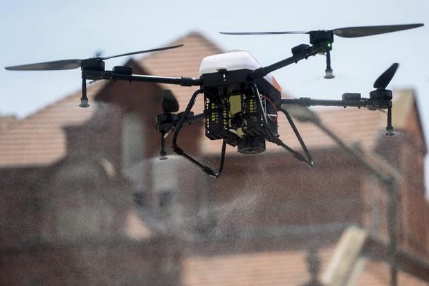 ตำรวจฝรั่งเศสหันใช้โดรนลาดตระเวนบังคับคนอยู่บ้านสกัดวิกฤตโควิด-19