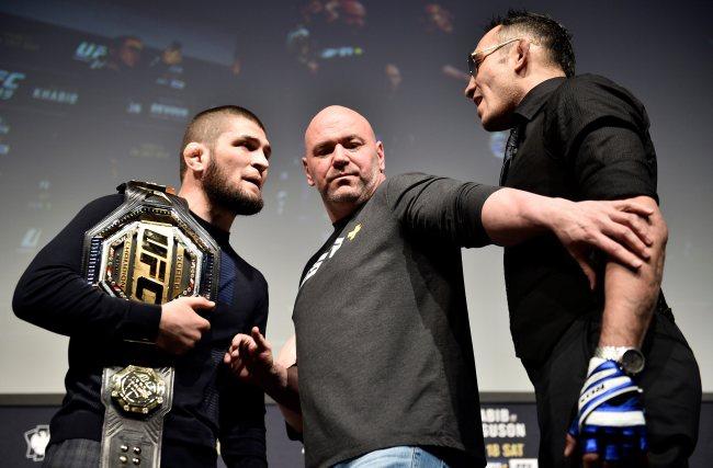"""""""คาบิบ"""" แฮปปี้ไฟต์ UFC ไม่เลื่อน ได้ชกก่อนรอมฎอน"""