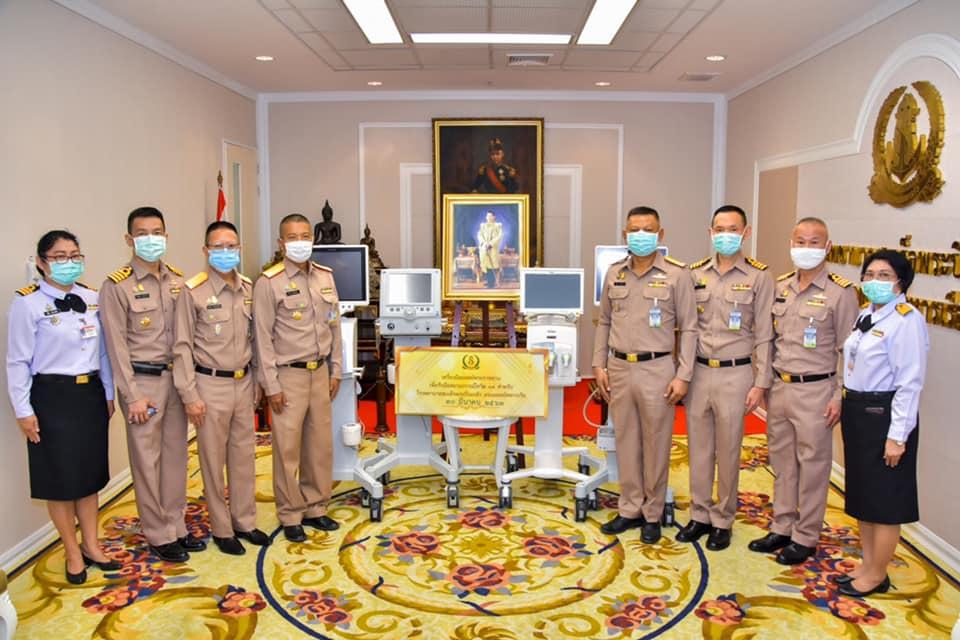ในหลวง พระราชทานอุปกรณ์การแพทย์เพิ่มเติมให้แก่ รพ.พระปิ่นเกล้า -รพ.สมเด็จพระนางเจ้าสิริกิติ์ กรมแพทย์ทหารเรือ