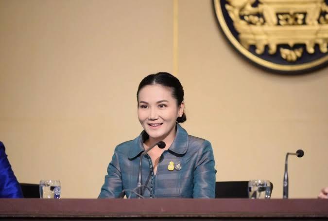 นฤมล ภิญโญสินวัฒน์ โฆษกประจำสำนักนายกรัฐมนตรี (แฟ้มภาพ)