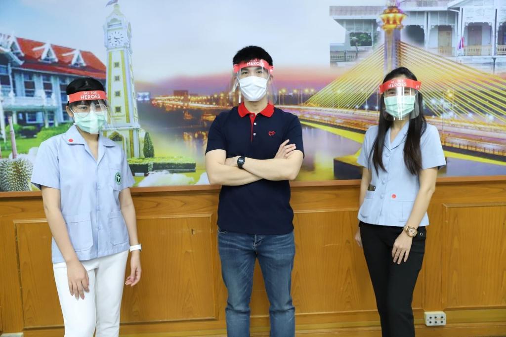 พนักงานเซ็นทรัลพัฒนาทั่วประเทศ ร่วมใจทำหน้ากาก Face Shield กว่า 60,000 ชิ้น ส่งมอบบุคลากรทางการแพทย์