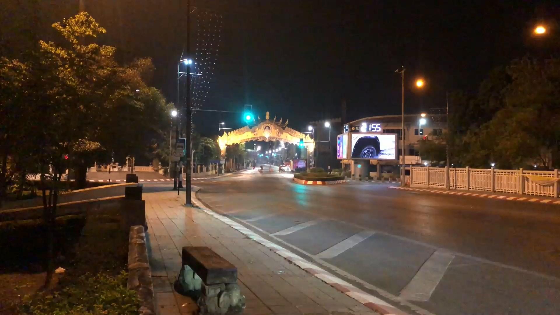 เชียงใหม่บูรณาการคุมเข้มเคอร์ฟิวคืนแรกเงียบสงัดทั้งเมือง