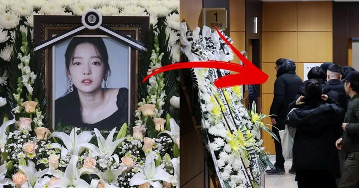"""งามหน้า! แม่ """"คูฮารา"""" ขอถ่ายรูปกับเหล่าดาราที่งานศพลูกสาว"""