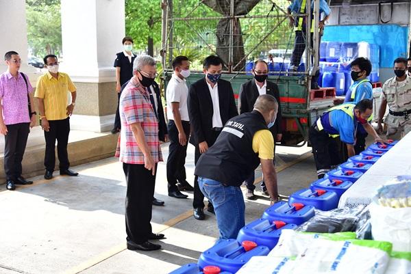 เมืองส้มโอ กระจายอุปกรณ์ที่รับบริจาคส่งถึงหน่วยงานแนวหน้า สู้วิกฤติโควิด -19