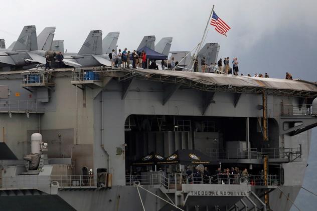 "In Clip: ลูกเรือบรรทุกเครื่องบิน USS ธีโอดอร์ โรสต์เวลต์ดับ 1จากโควิด-19  ""บอริส"" สุดสบายใจ ตรวจไวรัสผลเป็นลบก่อนออกร.พ ""แรงงานสเปน 3 แสน"" กลับเข้าทำงานเช้านี้"