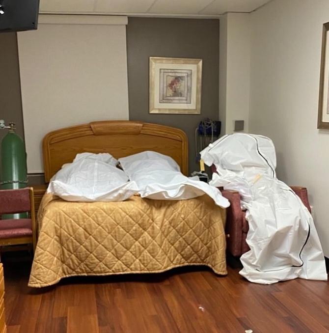 ภาพสลด!!ศพเหยื่อโควิด-19กองล้นโรงพยาบาลสหรัฐฯ วางทับกันในห้องเย็น