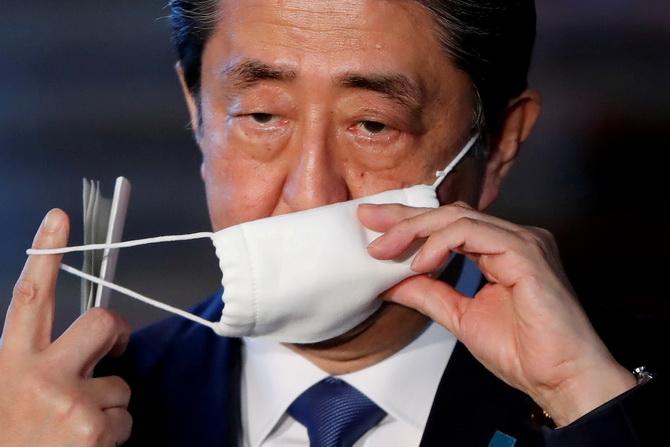 คนญี่ปุ่นโกรธรัฐบาลล้มเหลวจัดการวิกฤตโควิด-19 เตือนยอดตายอาจทะลุ4แสน