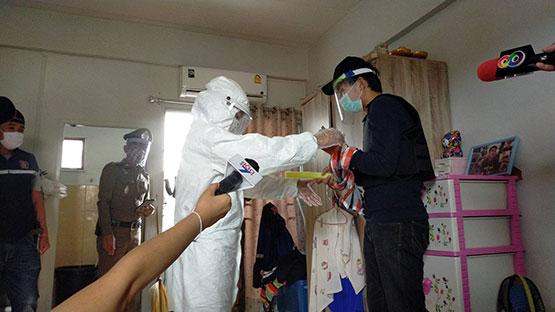 หนุ่มโรงงานแทงเมียตายมอบตัวทำแผนประกอบคำรับสารภาพ