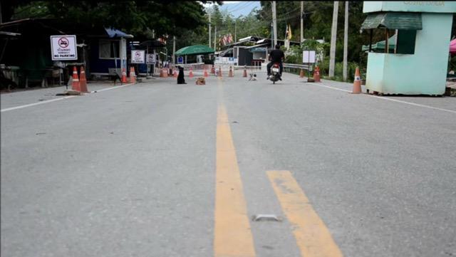 เมืองกาญจน์ นำ 98  แรงงาน ล็อตแรก จากเมียนมา เข้าสถานที่ กักกันตัว 14 วัน ก่อนเข้าไทย