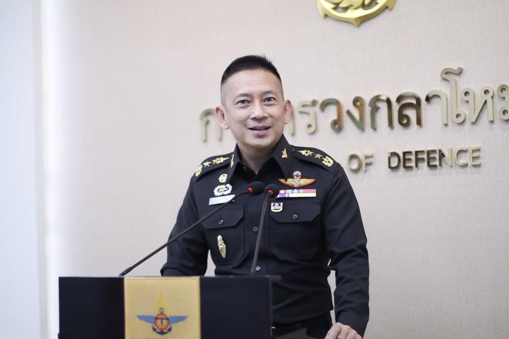 โฆษก กห.กำชับกองทัพ อำนวยความสะดวกคัดกรองคนไทยกลับจากมาเลเซีย - เร่งนำห้องผู้ป่วยแรงดันต่ำลงช่วยใน 3 จชต.