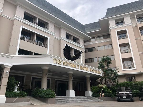 กรมควบคุมโรค ส่ง จนท.ให้ความรู้พนักงานโรงแรมในเมืองพัทยา อีก 1 พื้นที่กักตัวแห่งรัฐ