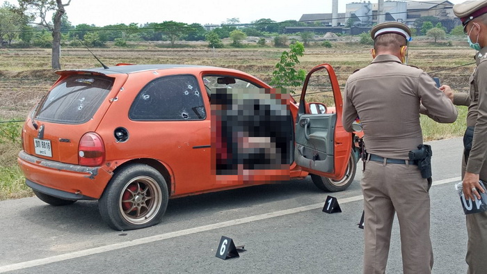ตำรวจ2จังหวัดไล่ล่าหนุ่มคลั่งหลังง้อแฟนไม่สำเร็จ ชักปืนยิงสู้สุดท้ายถูกวิสามัญ