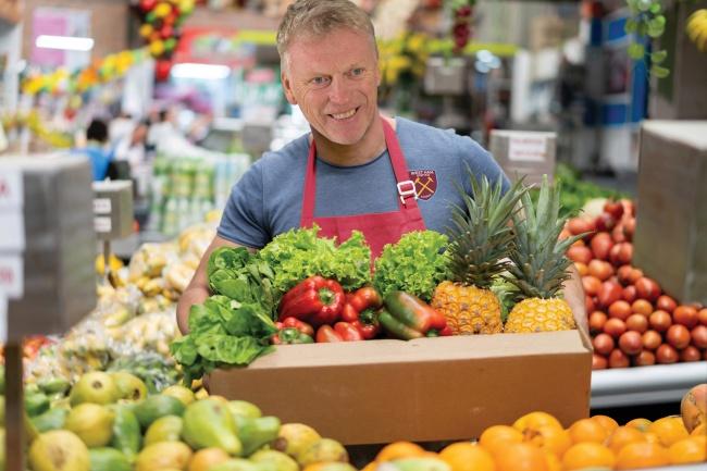 """""""มอยส์"""" ไม่เลือกงาน รับส่งผัก-ผลไม้ ช่วงโควิดระบาด"""