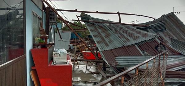 พายุฝนถล่มแค้มป์คนงานก่อสร้างทางรถไฟสายคู่ สายเหนือ เมืองลิง บาดเจ็บหลายราย