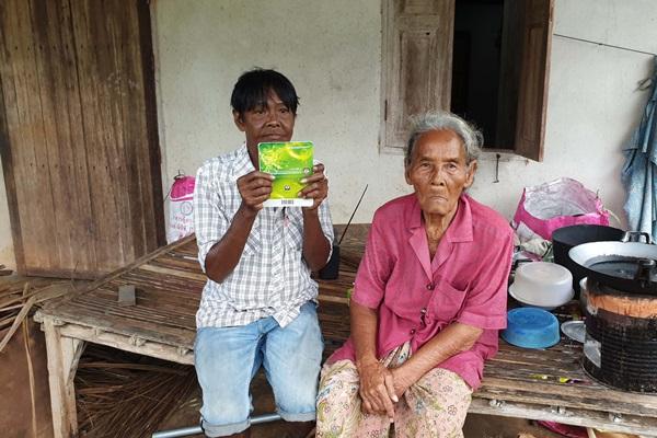 น้ำใจคนไทย! ช่วยกันบริจาคร่วมสามแสนให้สองแม่-ลูก ชาวชุมพรตกงานจากโควิดระบาด