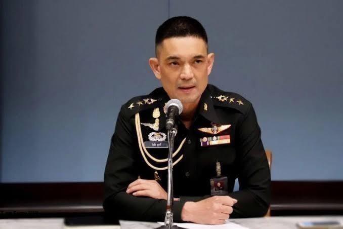 """""""บิ๊กแดง"""" ขอบใจ ผบ.หน่วยจูงใจพลทหารรับราชการต่อเพียบ สั่งเตรียมช่วย ปชช."""