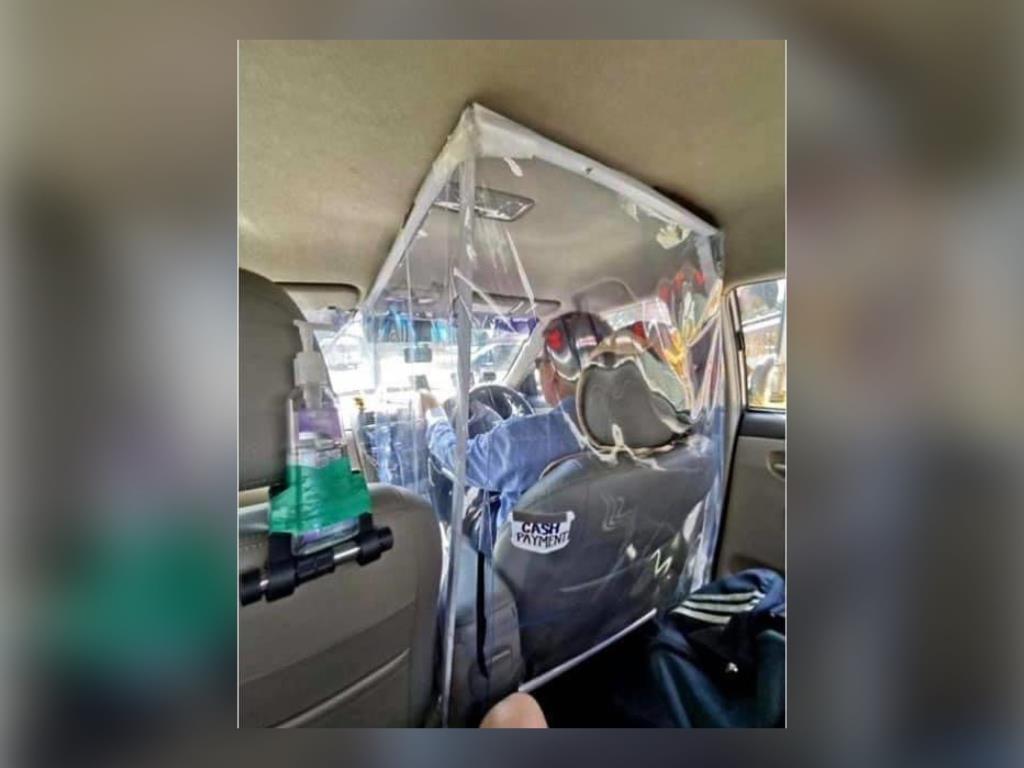 """""""หมอระวี"""" แนะ รบ. ออกระเบียบติดพลาสติก """"รถสามล้อ- แท็กซี่"""" กั้นระหว่างคนขับกับผู้โดยสาร สกัดการแพร่เชื้อโควิด-19"""