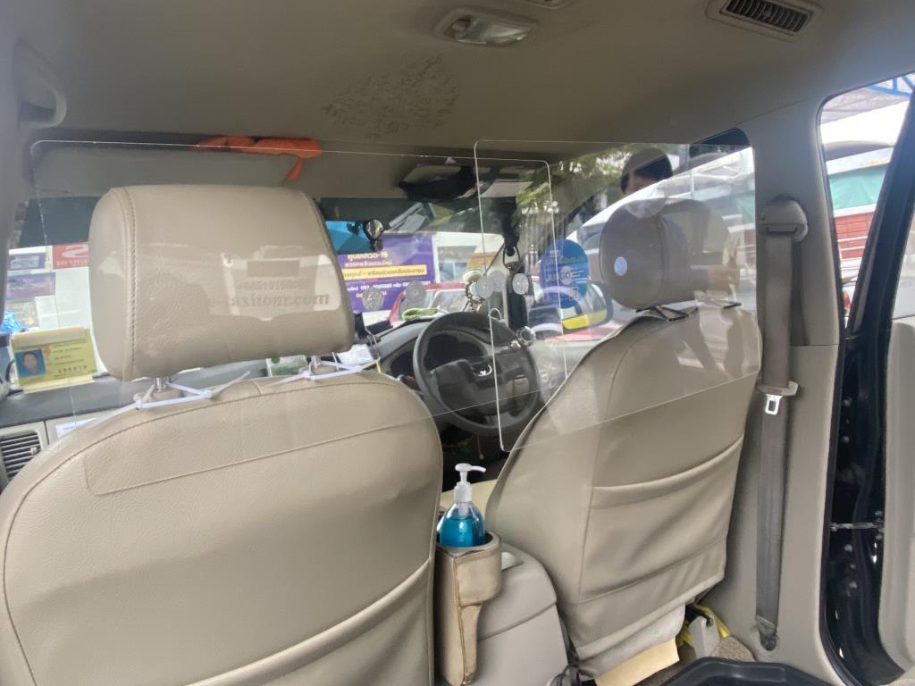"""""""แท๊กซี่""""หนุน """"คมนาคม""""ออกระเบียบติดพลาสติกกั้นในรถ ป้องกันการแพร่ระบาดโควิด-19 วอนรัฐช่วยเหลืองบประมาณ"""