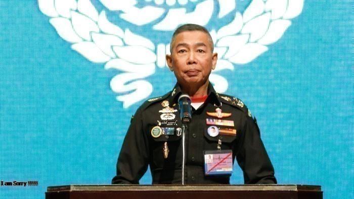 พลเอก อภิรัชต์ คงสมพงษ์ ผู้บัญชาการทหารบก (แฟ้มภาพ)