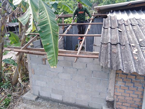 ทหารพรานร่วมใจสร้างบ้านหลังใหม่ให้กับผู้ยากไร้ สร้างรอยยิ้มคืนความสุขให้ประชาชน