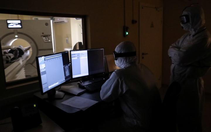 รัสเซียป่วยโควิด-19ทะลุหมื่น2วันติด สเปนใกล้คลี่คลายพบติดเชื้อ,ตายรายวันต่ำสุดเป็นสถิติ