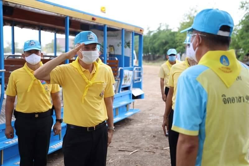 """""""ปลัดแรงงาน"""" เปิดโครงการฟาร์มตัวอย่าง ต้านภัยโควิด-19 พร้อมเชิญถุงพระราชทานมอบ ปชช."""