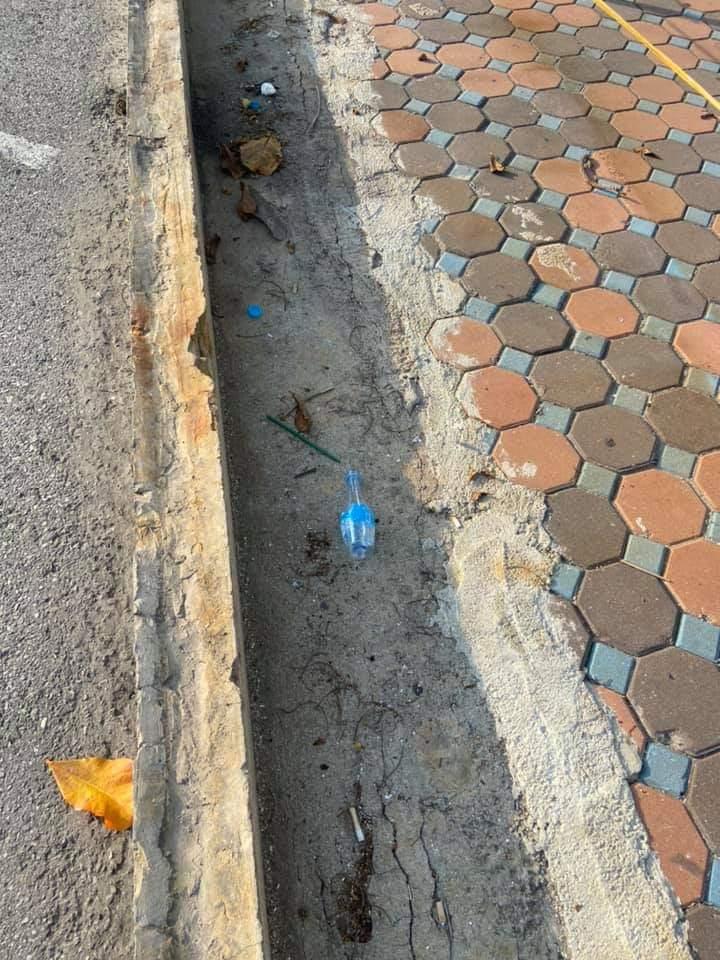 คนมักง่ายทิ้งขยะเกลื่อนกลาด (ภาพ : เพจณรงค์ชัย (ตุ้ย) คุณปลื้ม)