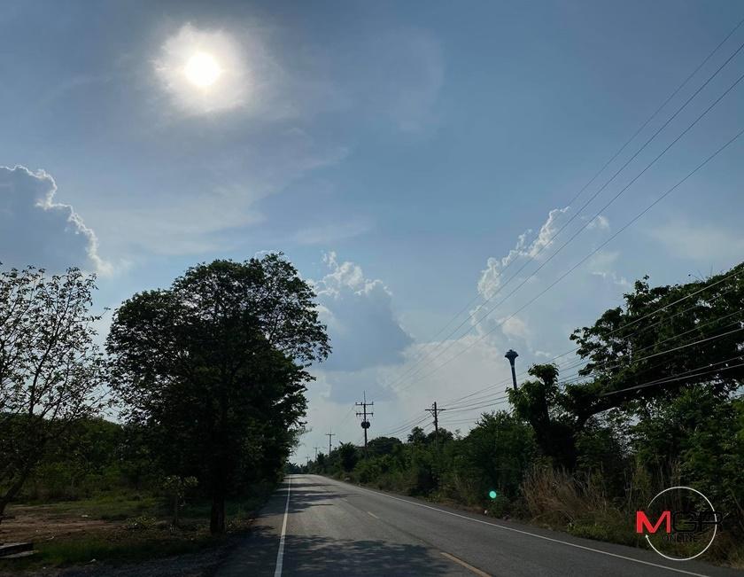ไทยตอนบนร้อนจัด! อุตุฯ เผย อีสานร้อนสูงสุด 43 องศา เตือน รับมือฝนกระหน่ำ-ลมแรง-ระวังอันตราย