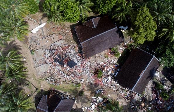 ร่องรอยความเสียหายจากสึนามิที่อินโดนีเซีย หลังภูเขาไฟอานัก กรากาตัวระเบิด เมื่อ 23 ธ.ค.2018