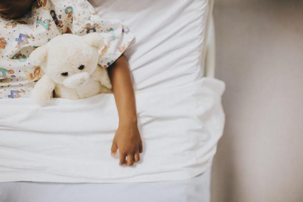 """แพทย์ยังไม่พบ """"หลอดเลือดอักเสบ"""" ในเด็ก เกี่ยวกับโรคโควิด-19 ขออย่าเพิ่งกังวล"""