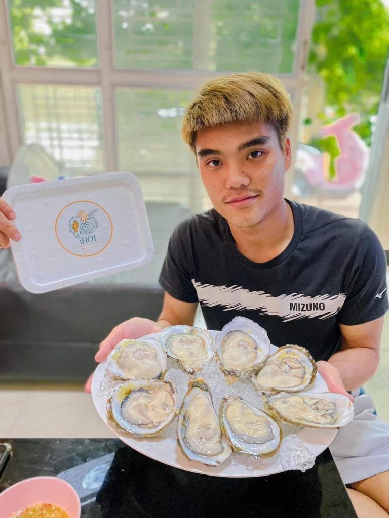 """""""เจ้านิว"""" เปิดกิจการใหม่ขายหอยนางรม แบบเดลิเวอรี่"""