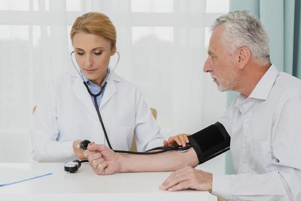 รู้แล้วรอด โรคความดันโลหิตสูง ภัยเงียบที่ไม่ควรมองข้าม