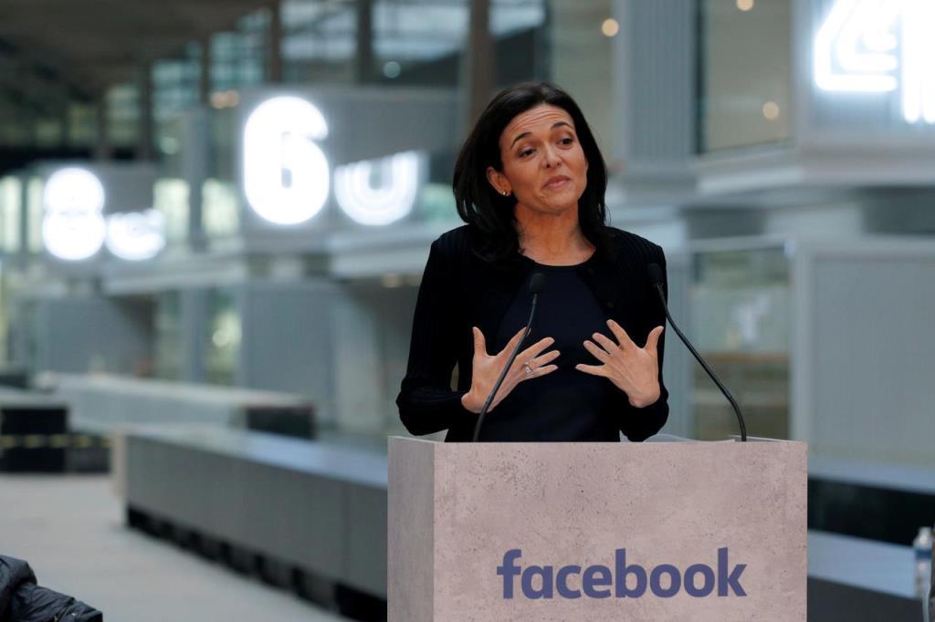 """""""Facebook"""" อุ้ม SME เปิดเส้นทางอัดฉีด 3,200 ลบ.  (Cyber Weekend)"""