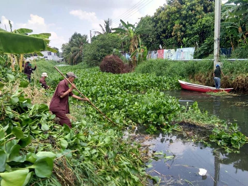 ผู้ว่าฯ อัศวิน เร่งกำจัดวัชพืชขุดลอกคูคลอง เขตคันนายาว พร้อมเปิดทางน้ำไหล เตรียมรับมือกับฤดูฝน