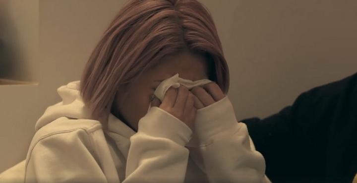 """ชมคลิปเหตุการณ์ต้นเหตุกระแสบุลลี่ ทำนักมวยปล้ำสาว """"ฮานะ คิมูระ"""" ฆ่าตัวตาย!"""