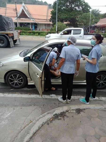 เรื่องน่ายินดี หญิงท้องแก่อั้นไม่อยู่ คลอดในรถ ณ.จุดคัดกรองโควิด19