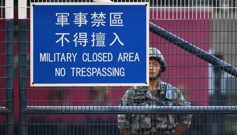 """In Clip: กองทัพจีนกร้าว!พร้อมปกป้อง """"ความมั่นคง"""" ในฮ่องกง หลังม็อบต้านลาม """"ผู้ว่าการเกาะ แคร์รี หลั่ม"""" ยันกม.ใหม่ไม่กระทบสิทธิเสรีภาพ"""