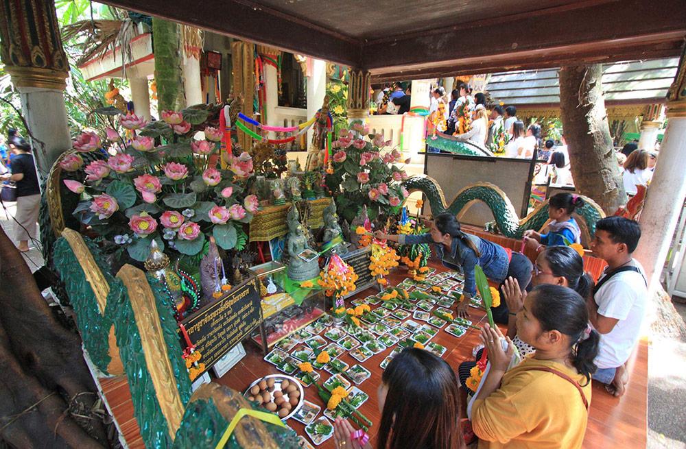 ปัจจุบันคำชะโนด เป็นสถานที่ท่องเที่ยวเชิงศรัทธาอันดับต้น ๆ ของเมืองไทย