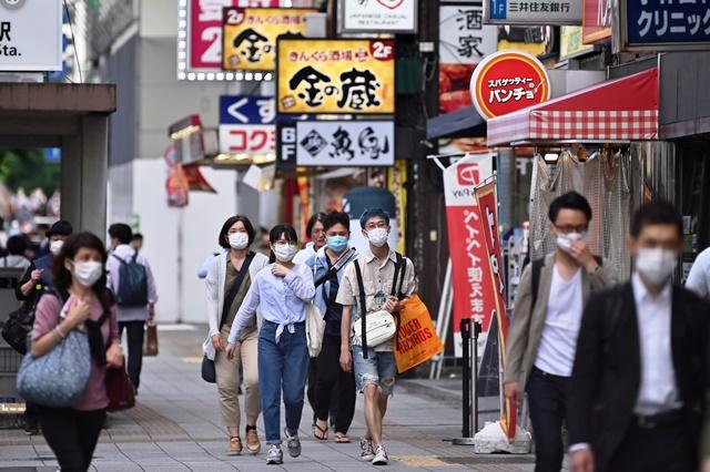 """ญี่ปุ่นทยอยปลดล็อก แจกคูปอง """"ชิมช็อปใช้"""" ฟื้นเศรษฐกิจในประเทศ"""
