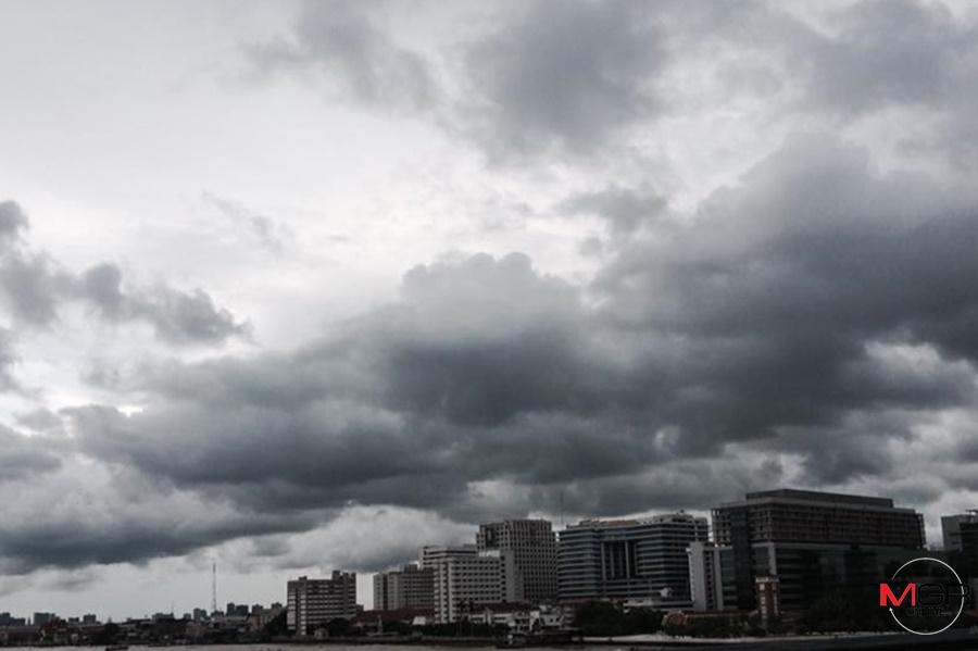 ฝนทั่วประเทศ! ไทยตอนบนฝนมากขึ้น อีสาน-ตะวันออก-ใต้โดนถล่มหนัก เตรียมกระหน่ำกรุงเย็นนี้
