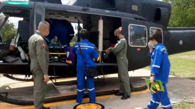 ชื่นชมกันทั่ว..นักบิน ทบ.-ทีมSky Doctor บินฝ่าสายฝนช่วยเด็กท่าสองยางป่วยวิกฤตส่งถึงมือหมอ รพ.พุทธฯ