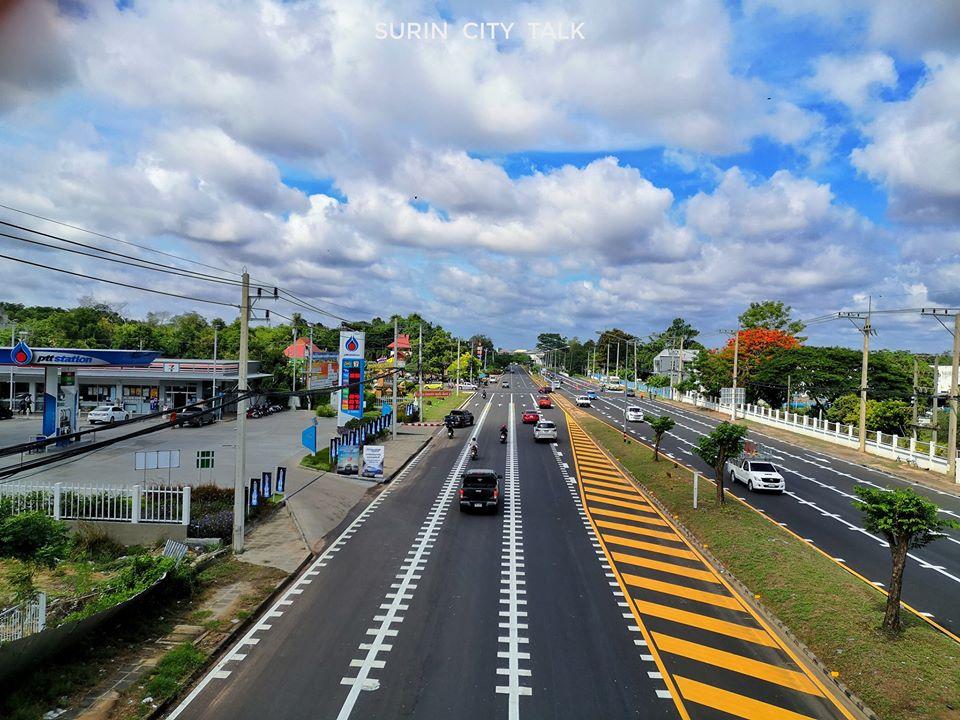 ไม่ธรรมดา! เผยภาพถนนเมืองสุรินทร์ ตีเส้นจราจรชัดเจน สวยงามเหมือนประเทศญี่ปุ่น