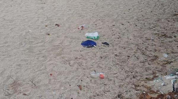 Big Cleaning ชายหาดชะอำ เตรียนรับนักท่องเที่ยว หลังปลดล็อก 1มิ.ย.นี้